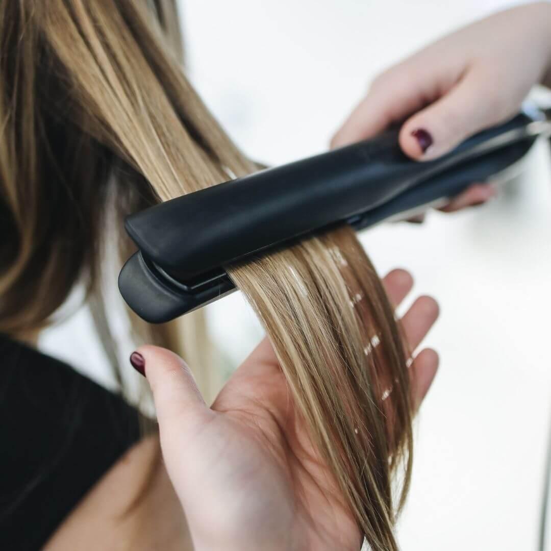 Hogyan történik a roncsolt haj helyreállítása?